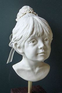 Picture of Porcelain Flower Girl (front)